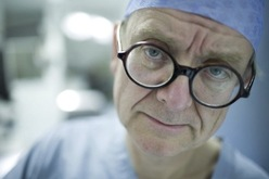 English_surgeon_01